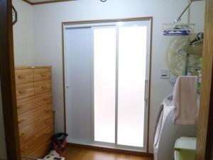 UB入口引き戸をスライドしやすい扉に変更しました。