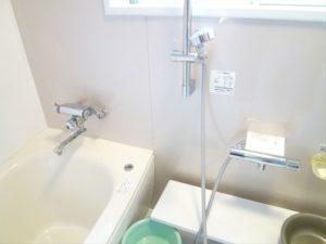 水栓金具を、節水型の操作のしやすいレバーのものに変更しました。